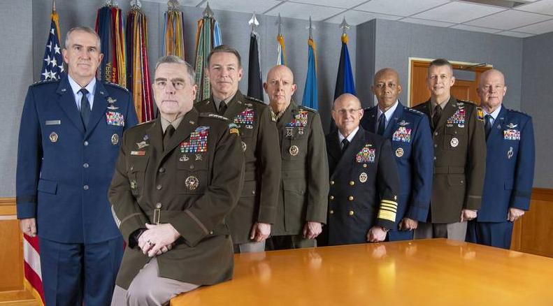 美国开始军人干政,奥巴马留下的深层政府人员