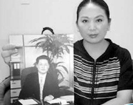 卓玛 - 彭丽媛和袁宝璟之妻卓玛关系很好帮助干掉了周永康和刘汉